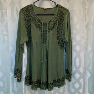 Green long sleeve v neck blouse embroidered rayon